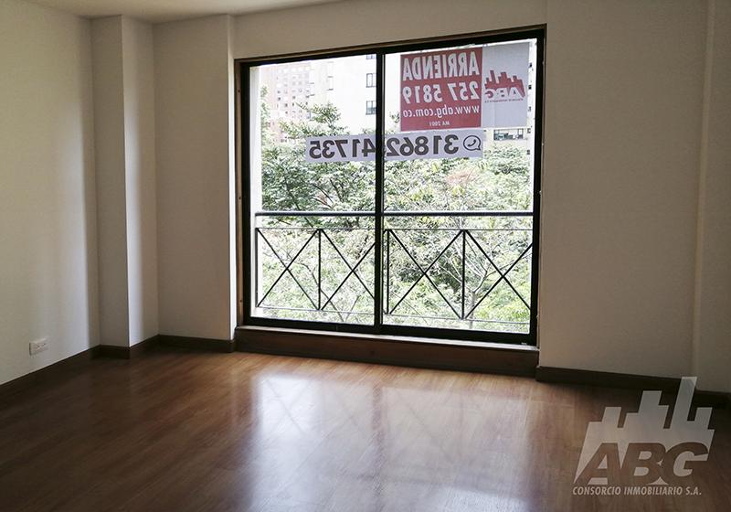 Apartamento en Los Rosales ABG