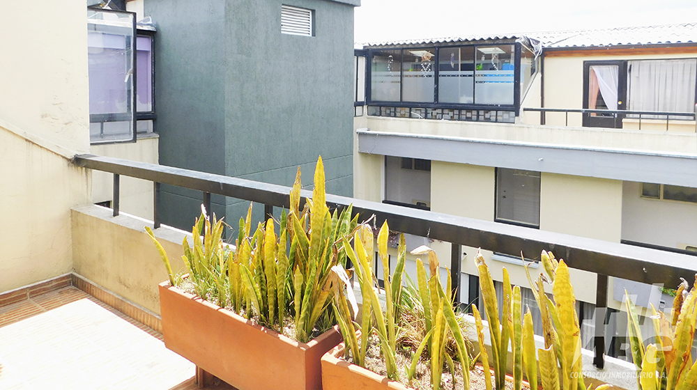 Arriendo apartamento dúplex en barrio Alhambra