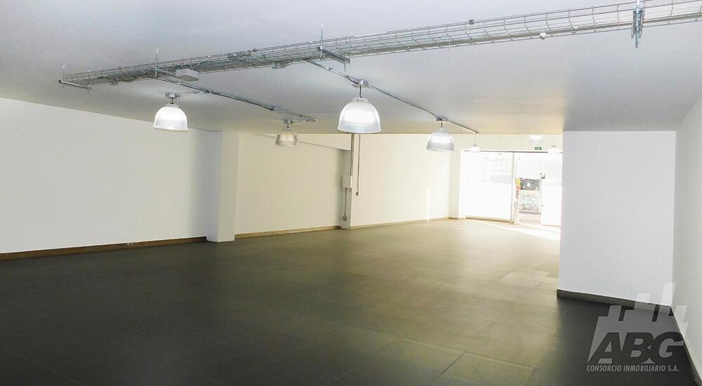 Local de 310 m² en venta en Las Américas
