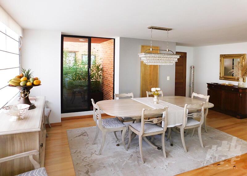 Apartamento en venta, barrio Los Rosales